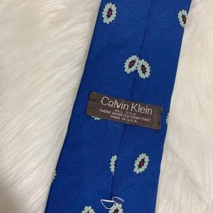 Calvin Klein Accessories - Mens Calvin Klein all silk tie